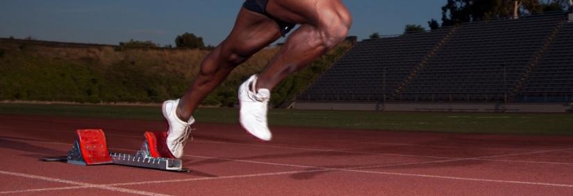 Przechylenie ciężaru ciała na bok w biegu. [case study]