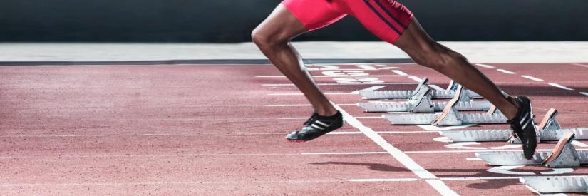 Elita biegaczy lepiej odpycha się od ziemi niż amatorzy
